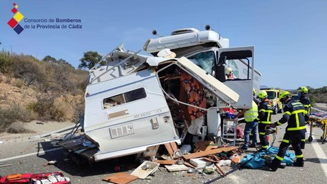 Accidente trafico Caravana A-381