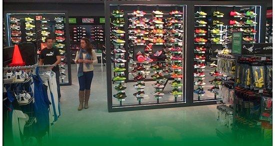 La tienda deportiva Sprinter ofrece tres puestos de trabajo 6cbc327c2ae1b