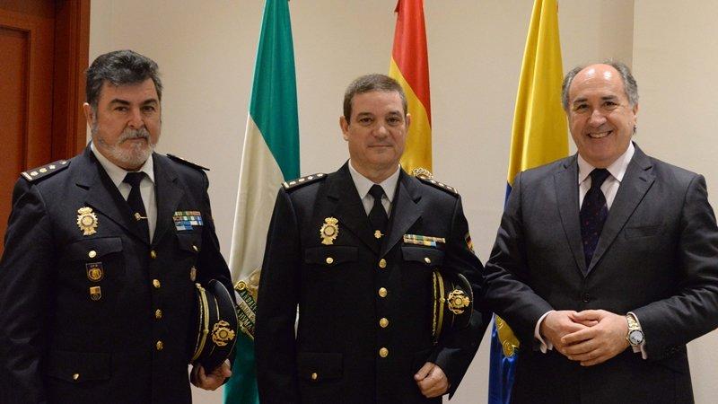Landaluce recibe al nuevo comisario jefe de operaciones de - Policia nacional algeciras ...